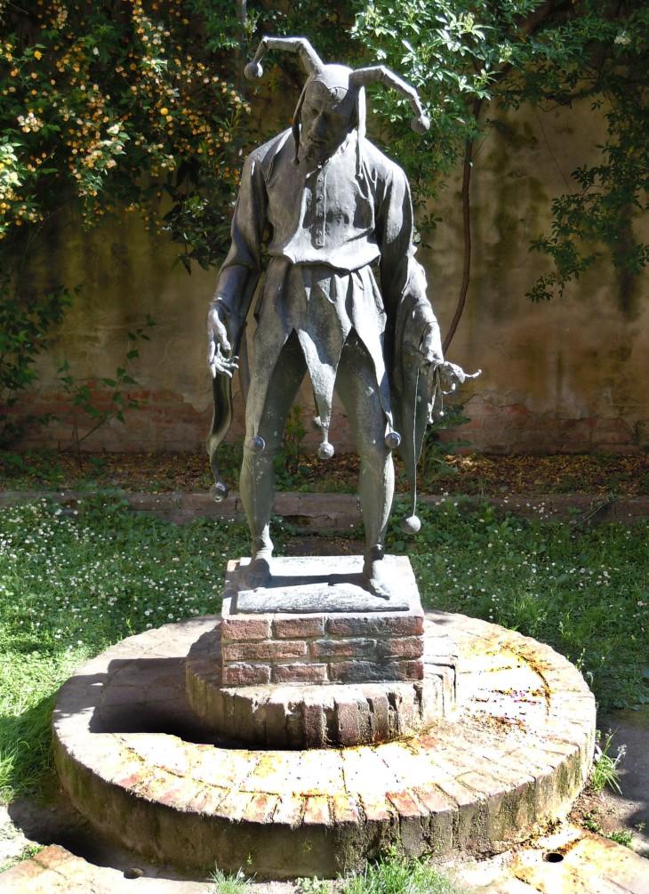 Rigoletto a Mantova statua