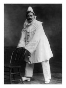 enrico-caruso-as-the-clown-canio-in-pagliacci-an-opera-by-ruggero-leoncavallo-1908